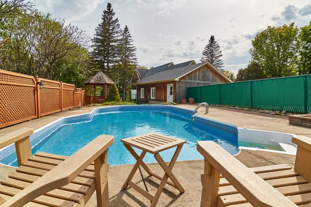 piscine-auberge-de-la-tour